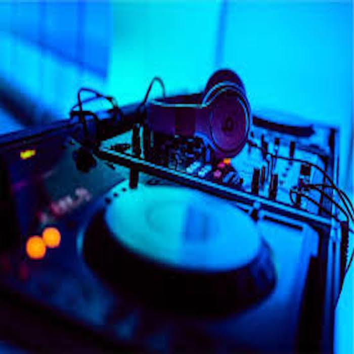DJ Paulo Brady wraps things up this Sunday